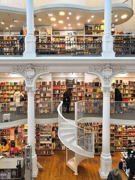 Cărturești Carusel bookshop