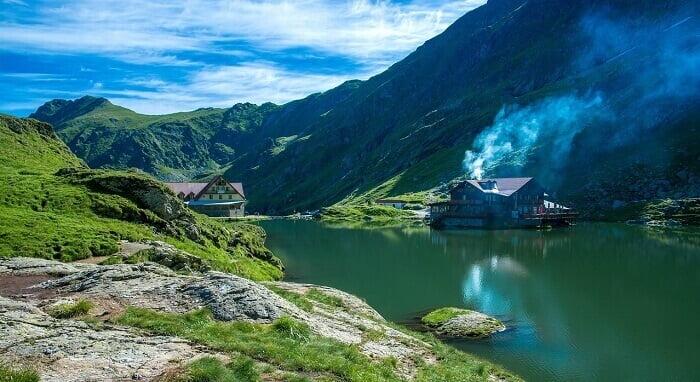 Transfagarasan Romania facts for kids Huge lakes